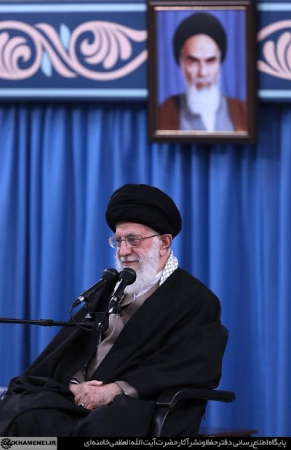مقام معظم رهبري:کسانی که به وعدهی الهی سوءظن دارند، معلوم است که از وعدهی الهی سود نخواهند برد
