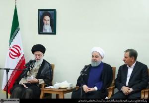 مقام معظم رهبری:برخورداری از روحیه انقلابی و مجاهدت ،شرط اصلی موفقیت و عبور از مشکلات است