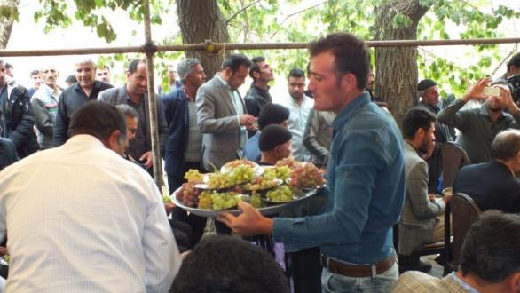 جشنواره انگور در روستای اکنلو برگزارشد